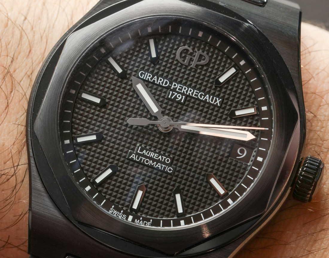 Girard-Perregaux Laureato Black Ceramic Hands-On Hands-On